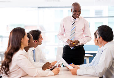 Team meeting among 6 colleagues